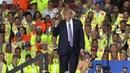 Trump rend hommage aux gilets jaunes