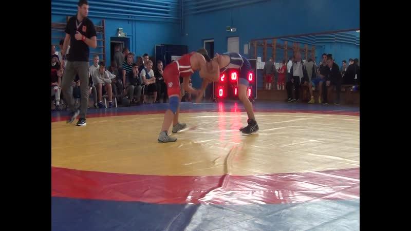 Весовая категория до 55 кг 1/2 финала Сёмушкин Никита (г.Калуга) (красный) -- Таджибов Имам (г.Москва) (синий)