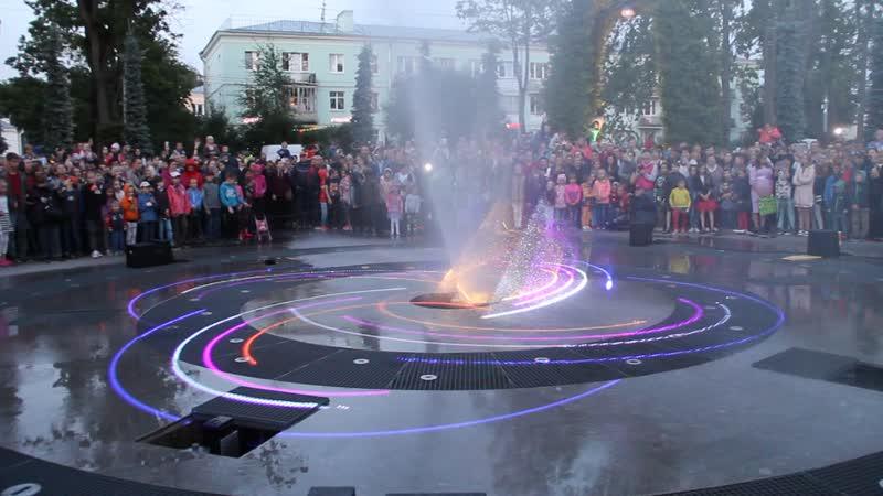 07 07 19 Петергоф Свето музыкальное представление у фонтана
