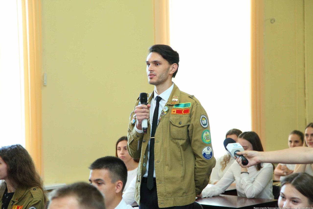 Губернатор Пензенской области встретился с бойцами СО ШСО «ПГУАС» и ПГАУ, изображение №1