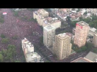 Новый протест в Чили собрал рекордные 1,2 миллиона человек.