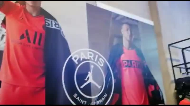 PSGs official club shop have now stopped selling Neymar merchandise as his return back to La Liga draws closer.