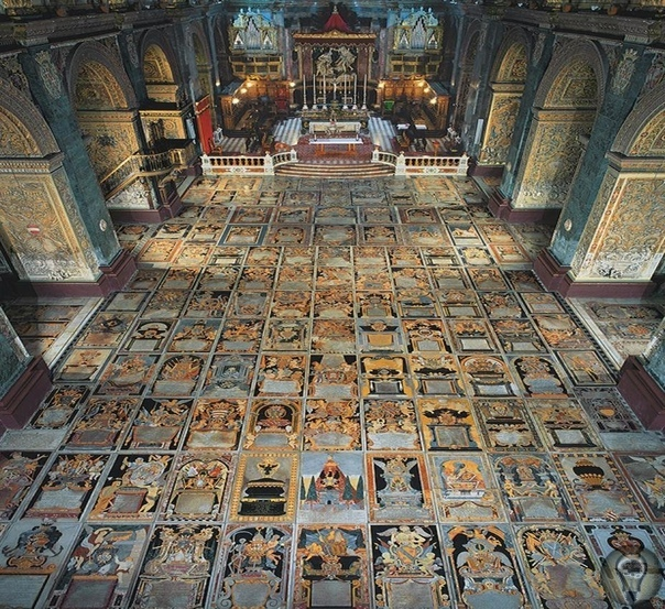 Пол собора Святого Иоанна в Валлетте, Мальта  настоящее сокровище.