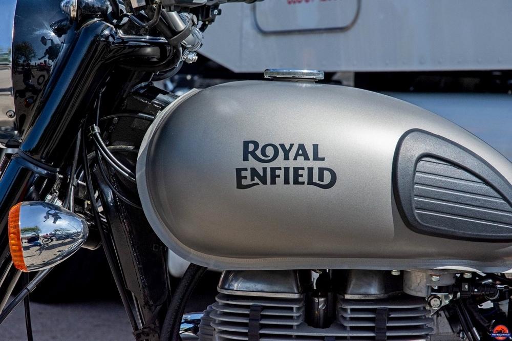 Новый мотоцикл Royal Enfield J1D представят в апреле 2020