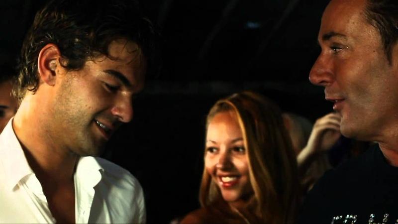 Gerard Joling Er Hangt Liefde In De Lucht Officiële videoclip