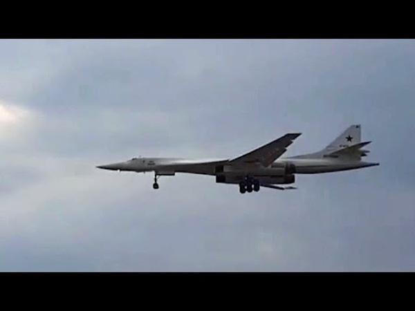 Российские Ту-160 выполнили полет над Индийским океаном.