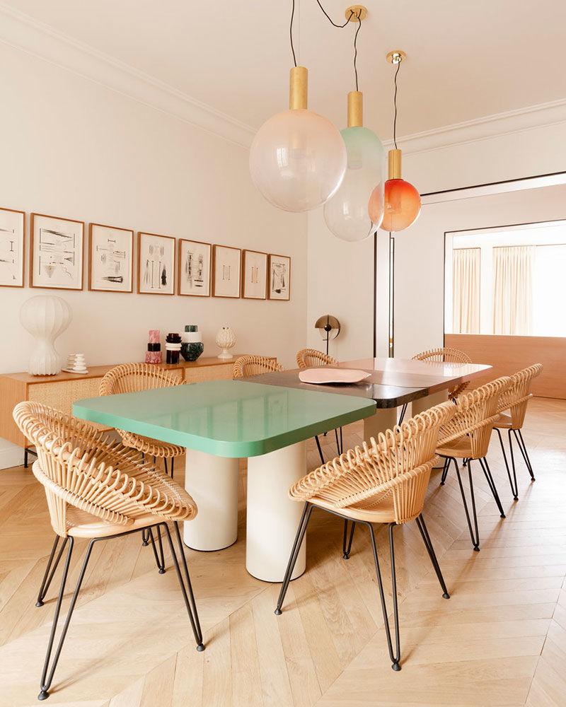 Красочные современные апартаменты галеристки на острове Сен-Люи в Париже