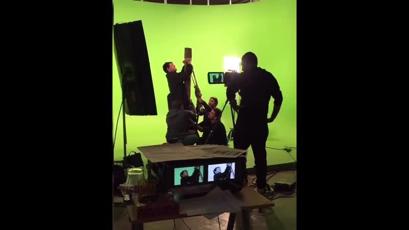 Хочется ещё раз окунуться в историю под названием Пьяное солнце К бэкстейджу со съёмок клипа прилагается момент создания видж