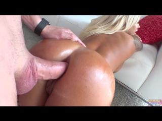 Парень трахнул в попу элитную проститутку ( порно )