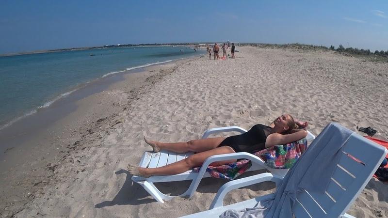 Утро на супер пляже в Крыму