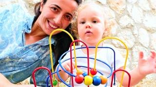 Koordinasyon oyunu! Eğitici bebek oyuncakları. Sevcan ve Derin ile Anne Vlog