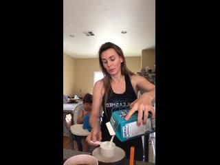 Завтрак с Таней Тейт (Tanya Tate)
