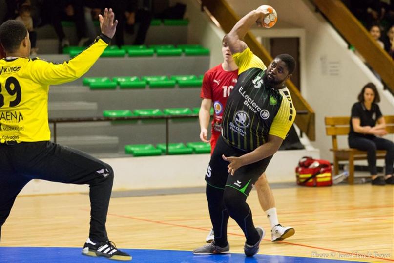 Главная звезда чемпионата мира — не Сагосен и не Хансен. Это гандбольный Шакил О'Нил из ДР Конго!, изображение №7