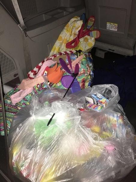 34-летняя жительница США имеет весьма специфическое хобби: она кормит семью едой из мусорных контейнеров, и остальные вещи и игрушки для 4-х своих детей тоже берет оттуда По словам гражданки, ее