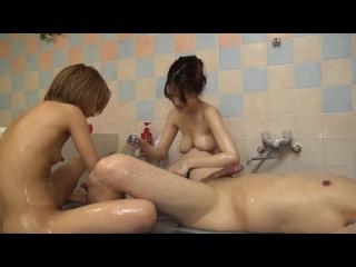Японки удоавлетворяют мужика в сауне азиатка секс asian japan japanese girl порно porn teen young jav групповое лесби лесбиянки