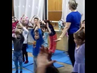 1й день в танцевалке 💃мой сыночек 😘