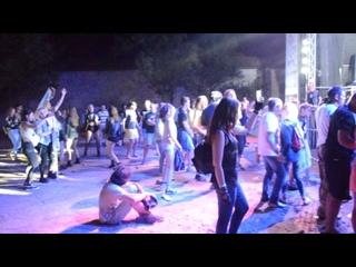 Босфорские врата цвет настроенья синий и толпа 051
