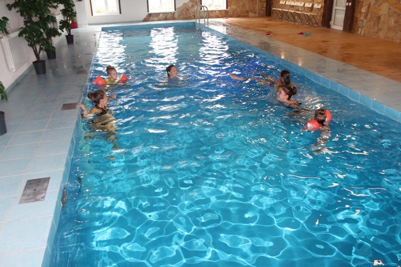 Почему полезно плавать в бассейне?, изображение №7