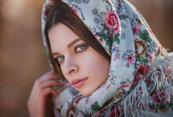 История женского головного платка