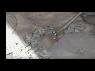 С этим приспособлением для перфоратора сбить плитку или штукатурку со стена не составит труда
