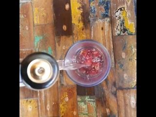 Подсел я на этот напиток)#индонезия #бали #убуд #чай #каркадэ #роза #напиток #куренков