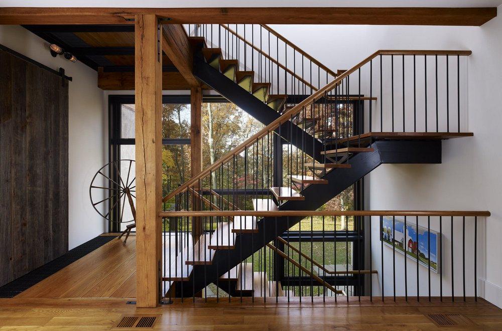 Изготовление металлической лестницы в частном доме