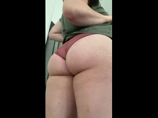 Демонстрирует Свою Сексуальную Попку |  Показала Анал | Сексуальные Попки 18+ Порно Жопы Enjoy the view from below😘