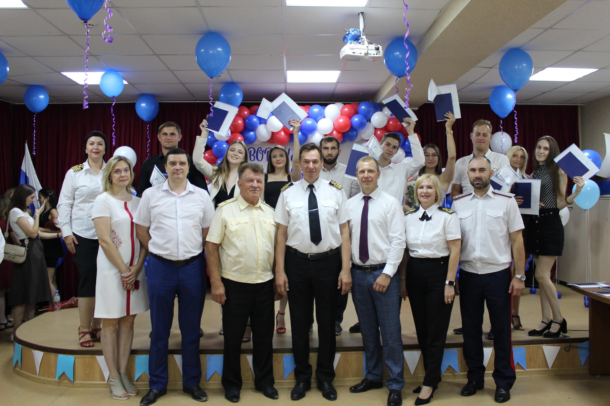 В Воронежском филиале ГУМРФ имени адмирала С.О. Макарова прошло торжественное вручение дипломов выпускникам