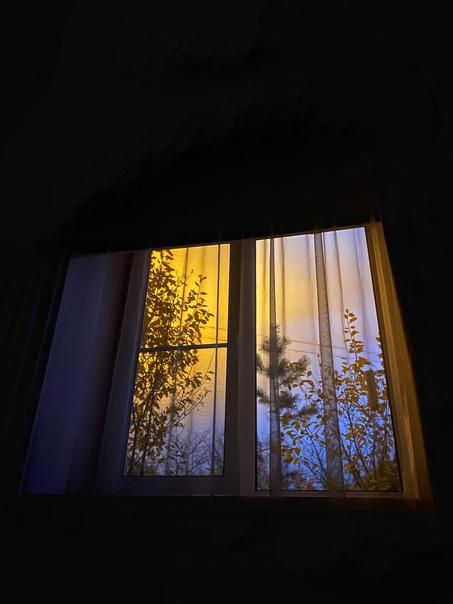 А из нашего окна..Борское светилище освещает улицу лучше,...