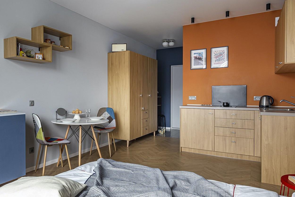 Обстановка квартиры-студии типовой прямоугольной планировки 24 кв.
