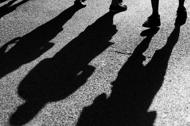 В Мирнинском районе четверо мужчин в возрасте от 35 до 65 лет вымогали у местног...