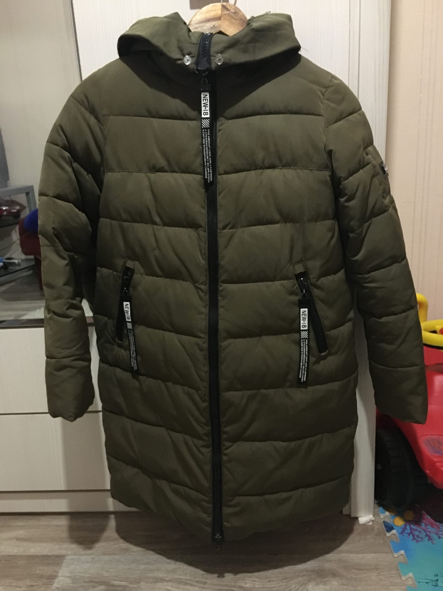 Продам зимнее пальто, размер 42, 40б.