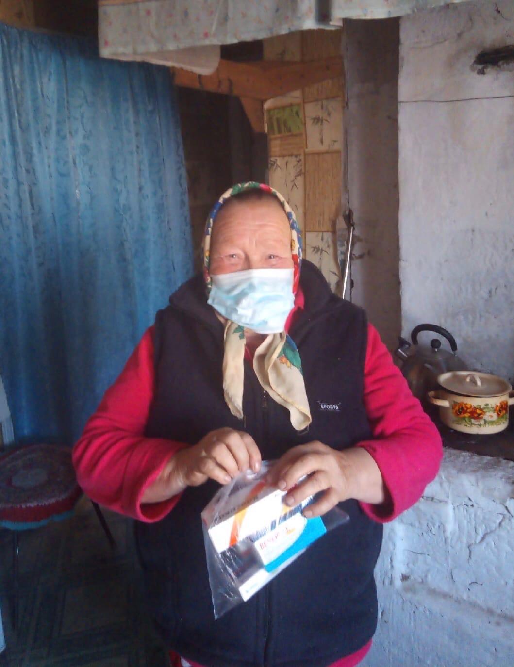 В рамках национального проекта «Демография» сотрудниками Центра была осуществлена бесплатная доставка лекарственных препаратов и продуктов питания гражданам старше 65 лет, проживающим в д.