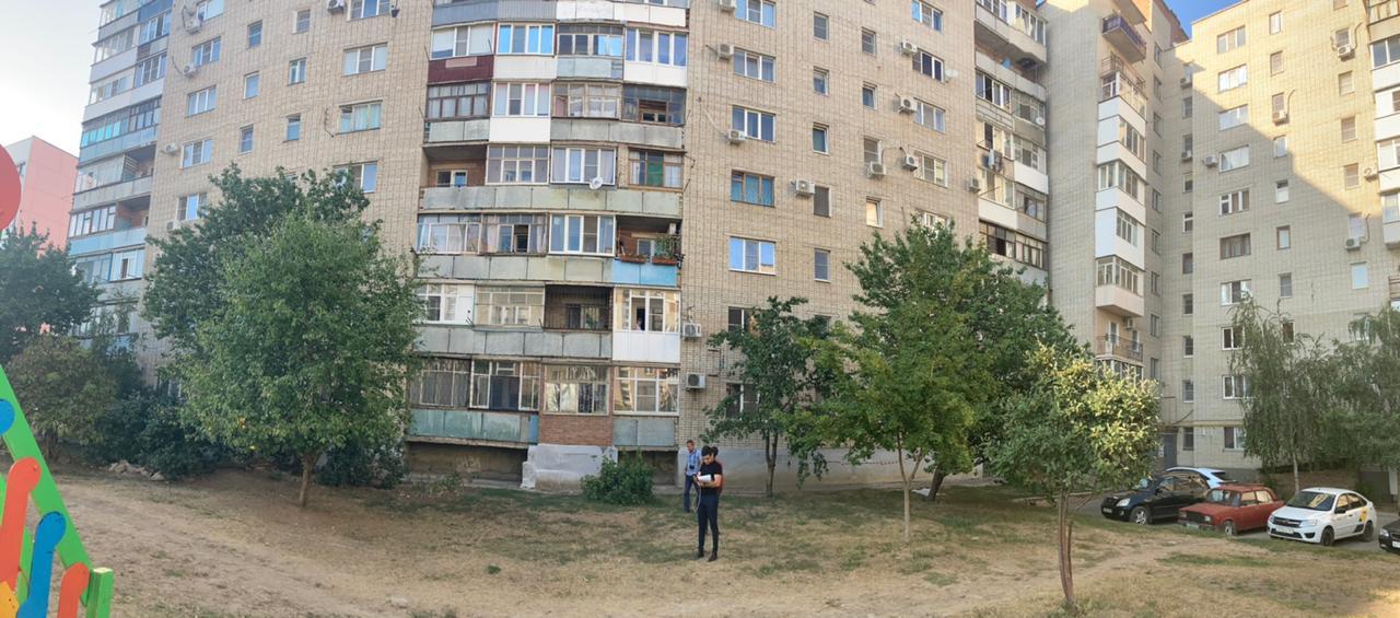 Сегодня в Таганроге дети 3-х и 2-х лет погибли после падения из окна на шестом этаже