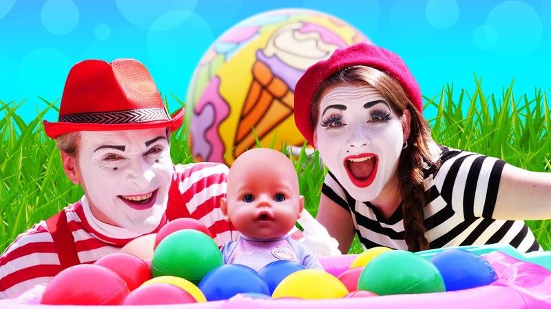 Giochi divertenti con Baby Born Una giornata al parco Video educativi per bambini in italiano
