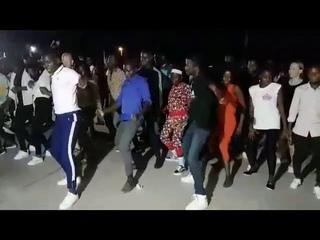 """""""Kizomba na Rua"""" Angola 🇦🇴 Dancing the crazy Hit """"Jerusalema"""""""