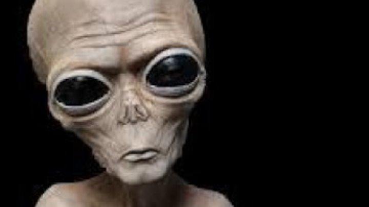 Странный пришелец показал людям карту инопланетных баз на Земле