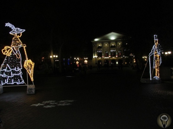 НОВОГОДНИЙ СЕВАСТОПОЛЬ 2020 Севастополь в преддверии Нового 2020 года и Рождества превратился в настоящую сказку: красочные инсталляции в городе, большая красивая елка на площади Нахимова,