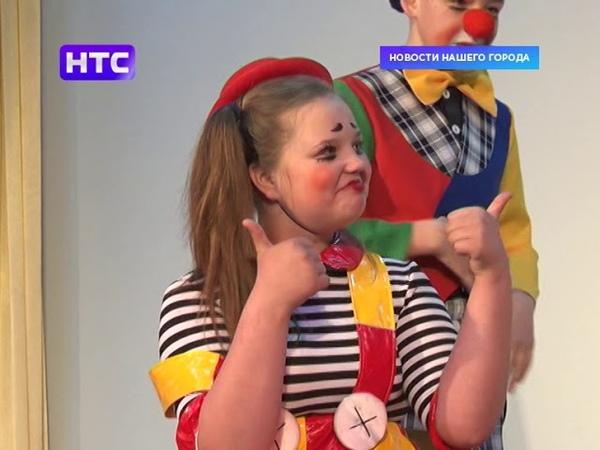 Знаменитый клоун Борис Оскотский провел мастер класс для юных ирбитских клоунов
