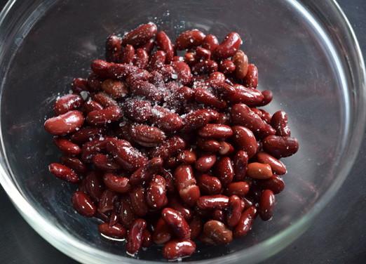 Салат из красной фасоли и сладкого перца, изображение №8